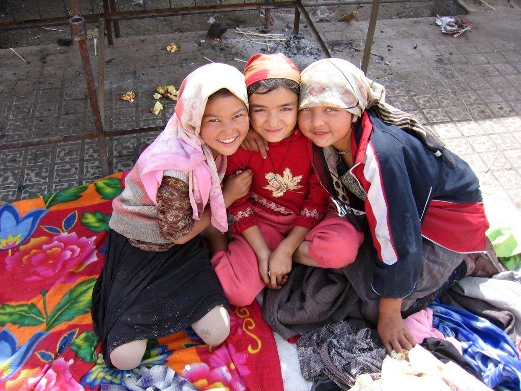 Custom_campaign_image_khotan-mercado-chicas-d01